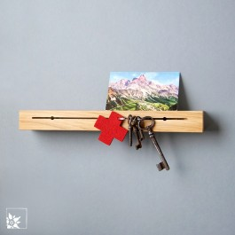 Ein schlichtes Schlüsselbrett aus Eichenholz.