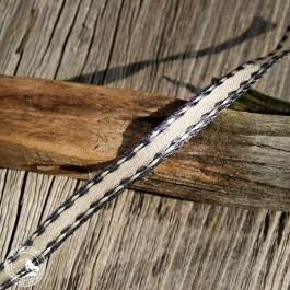 Das Geschenkband mit zierlicher grauer Kante und Draht - 7mm breit. Wiederverwendbar!