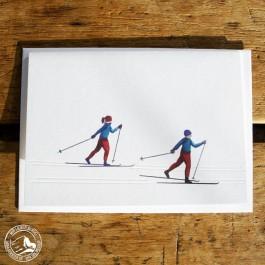 """Gmund Klappkarte """"Ski-Langlauf"""" mit Illustration, Prägung und Umschlag aus Gmund-Papier"""