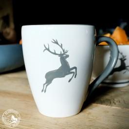 Gmundner Kaffeebecher Grauer Hirsch - 0,3 l  - Lieferung im Geschenkkarton ohne Dekoration