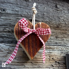 Holzherz aus altem Stadlholz 6 x 7 cm mit Schleife!