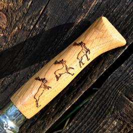 Das Opinel Messer mit der Hirsch ist ein Teil der Sonderserie Animalia.