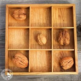 Kleiner Apfelkasten und Tablett aus heller Eiche. Hergestellt von Raumgestalt im Schwarzwald-