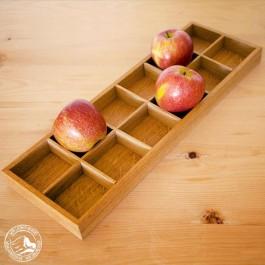 Apfelkasten, lang in heller Eiche. Das Tablett ist auch OHNE den Einsatz nutzbar und wird in einem Karton geliefert.