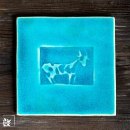 Steingutfliese Ziege türkis. Jede Kachel ein Unikat als Untersetzer, aber auch für die Wand. Frostfest!