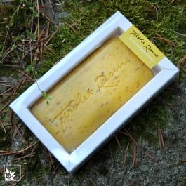 Jede Tiroler Reine Seife wird Ihnen in einer kleinen Box geliefert. Auch schön als Geschenk!