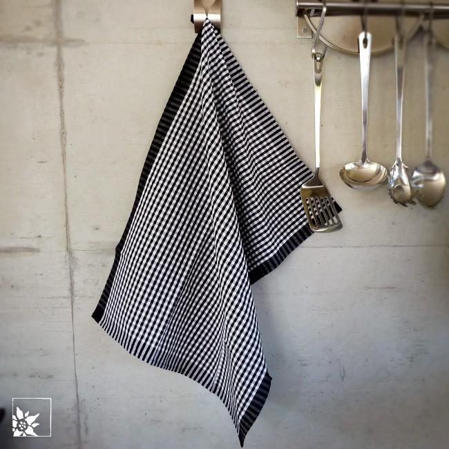 meyer mayor geschirrtuch vichykaro schwarz wei alpen shop wohlgeraten. Black Bedroom Furniture Sets. Home Design Ideas