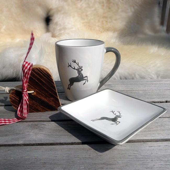 gmundner keramik kaffeebecher grauer hirsch alpen shop. Black Bedroom Furniture Sets. Home Design Ideas