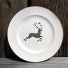 """Der Frühstücksteller """"Grauer Hirsch"""" von Gmundener Keramik hat einen Durchmesser von 22 cm."""