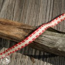 Das Geschenkband mit zierlicher roter Kante und Draht - 7mm breit. Wiederverwendbar!