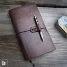 Ledernotizbuch Knickerbookerl in klassischer Ausführung (Lieferung OHNE Stift und ohne Dekoration)