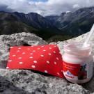 Frühstück nicht ohne Serviette :) ..auf einem Berg in Graubünden 2011.