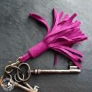 Steiner 1888 Schlüsselanhänger mit Fransen – Magnolie (Lieferung ohne Schlüsselbund)